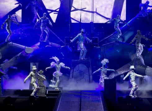 cirque-du-soleils-michael-jackson-show-0gfju4o-x-large