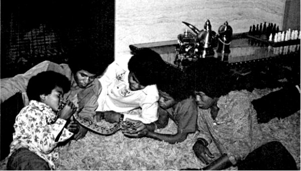 The Jackson 5 with pet snake