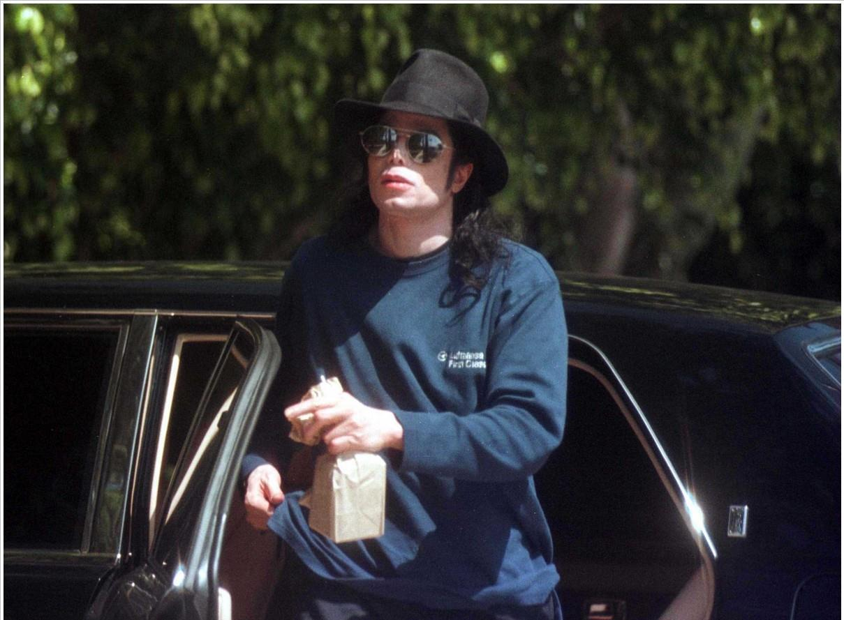 Michael Jackson running errands