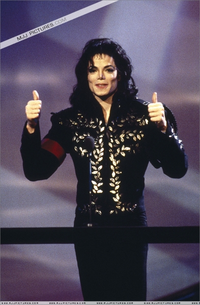 michael-thumbs-up2
