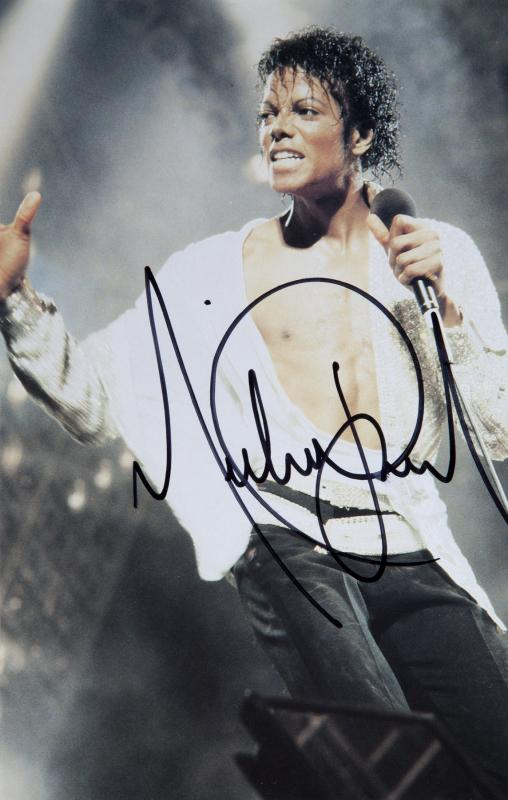 michael-victory-signed