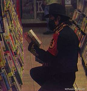 michael-in-a-bookstore