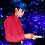 Michael_Jackson_gives_autograph-ccby-AlanLight-b3
